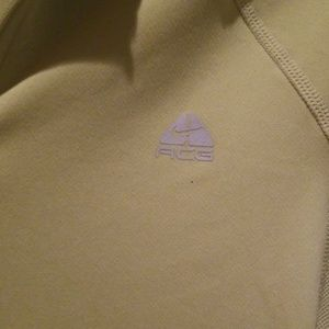 Nike ACG (All Conditions Gear) Pullover  Sz Small